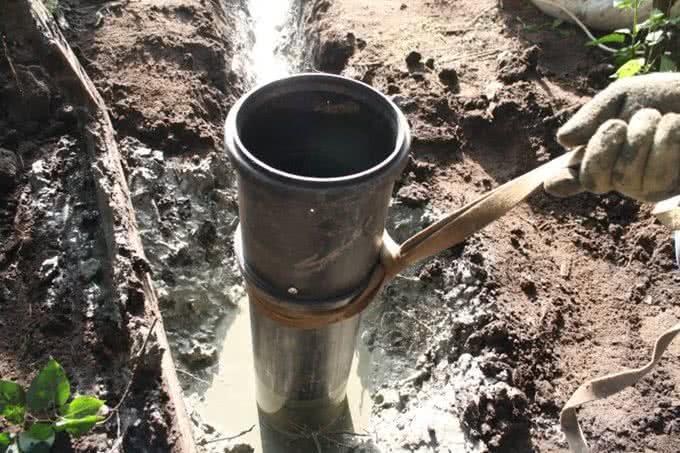 Установка обсадных труб в скважину