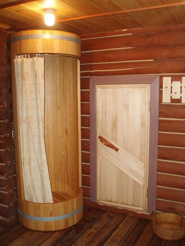 Установка душевой кабины в деревянном доме