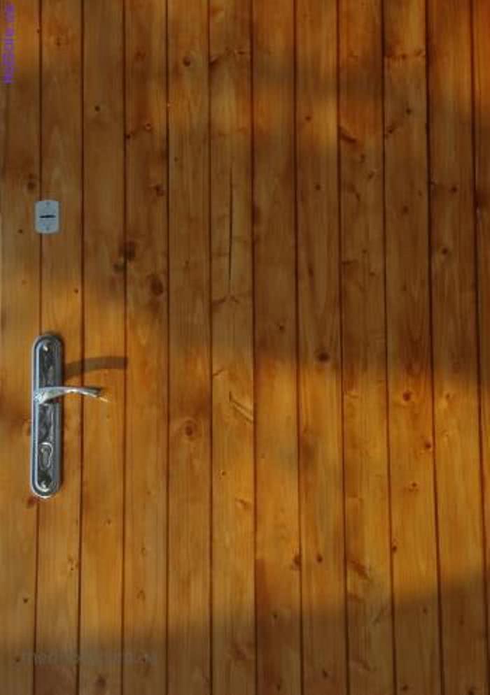 Обшивка двери вагонкой