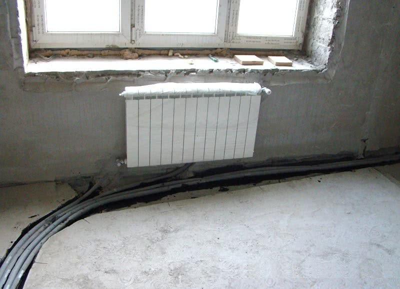 Как спрятать трубы отопления в полу