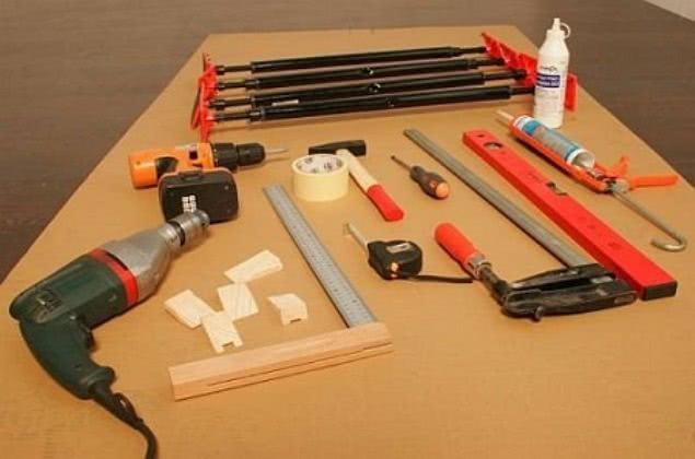 Набор инструментов для установки межкомнатной двери