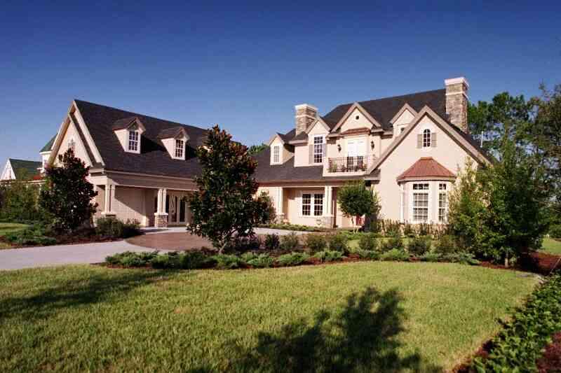Фасад дома в ландшафтном дизайне
