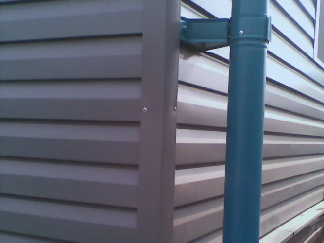 Обшивка стен металическим сайдингом