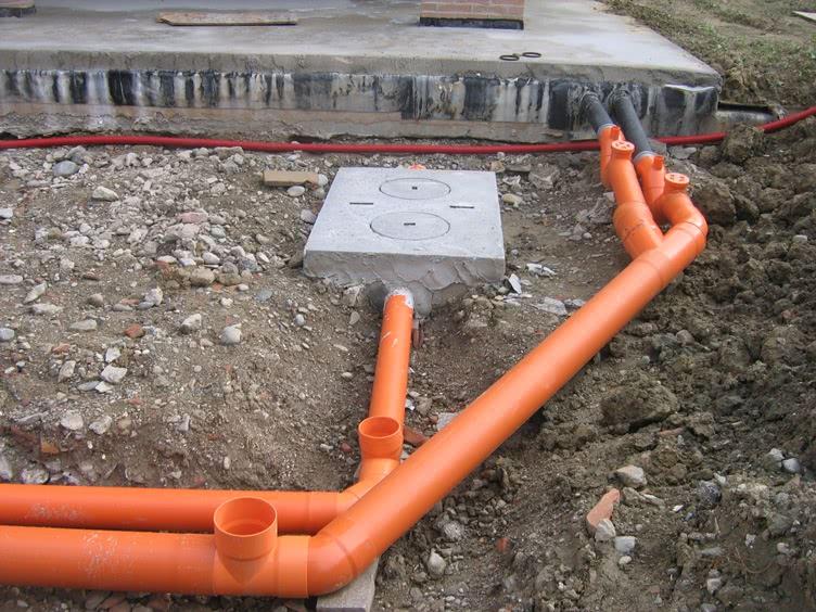 Монтаж наружной канализации ПВХ
