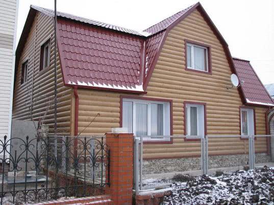 Дом, обшитый блок хаусом