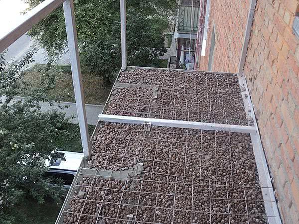 Подготовка балкона под обшивку сайдингом