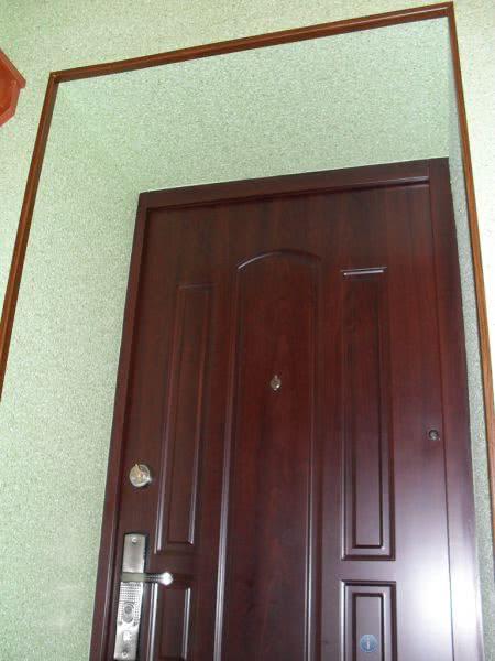 Окрашенные дверные откосы