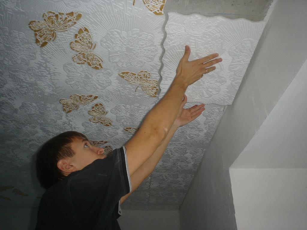 Плитка на потолок
