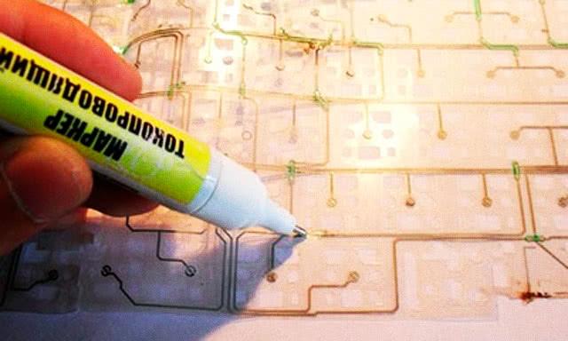 Применение токопроводящего клея, маркера