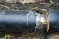 спрятать трубы отопления в стену