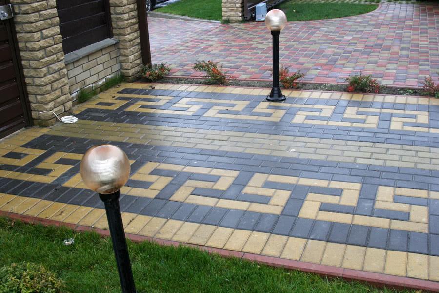 Тротуарная плитка с зеркальной поверхностью