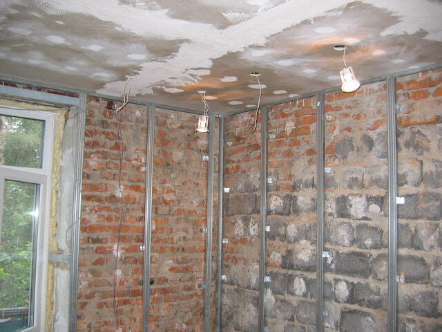 Выравнивание стен гипсокартоном, (с использованием каркаса)