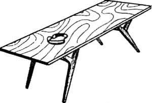 Рис. 1 .Легкий переносной столик