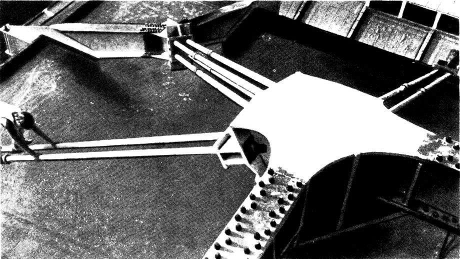 Примыкание оттяжки к анкерной обойме ядра жесткости