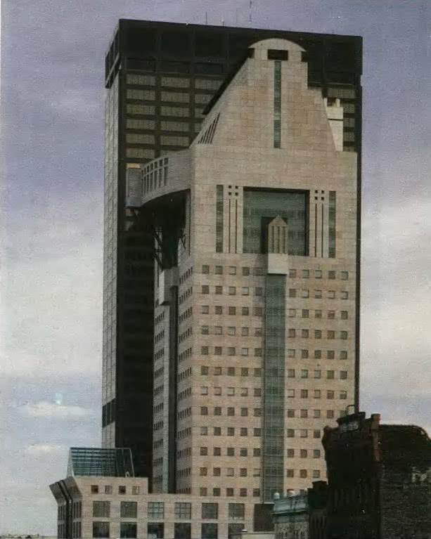 Административное здание в Луисвилле. М. Грейвз. Кентукки, США, 1986