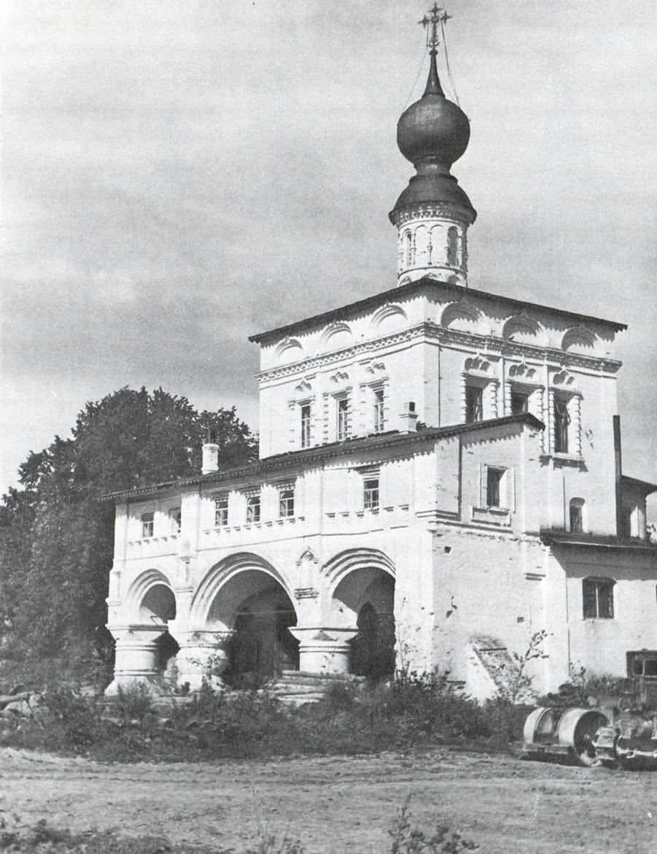 Михайло-Архангельский монастырь. Владимирская надвратная церковь