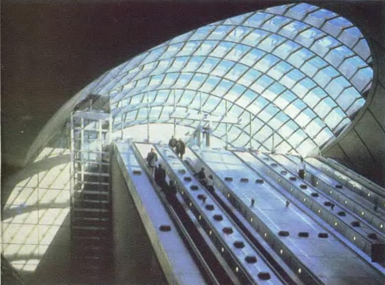 Станция метро Кэнери Ворф. Лондон. Н. Фостер и партнеры, 1990—2000