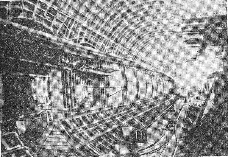 Обделка станционного тоннеля из чугунных тюбингов
