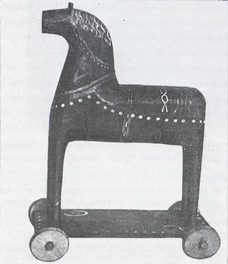 Деревянный конь. Детская игрушка