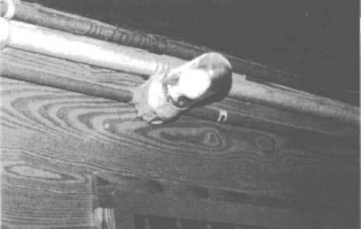9.13. Пластмассовый трубопровод и лампа накаливания в защитной колбе