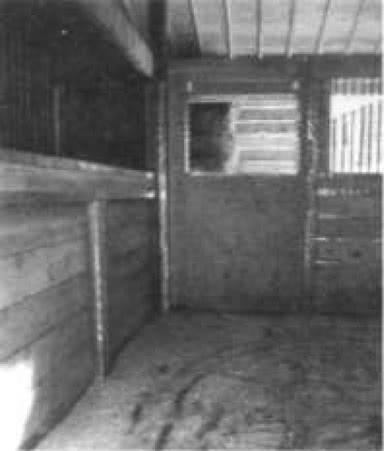 5.9. Металлическое обрамление защищает деревянные конструкции и предотвращает травмирование