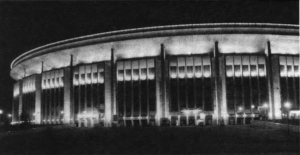 Освещение крытого спортивного комплекса Олимпийский. Архит. Н.И. Щепетков, 1996—1997
