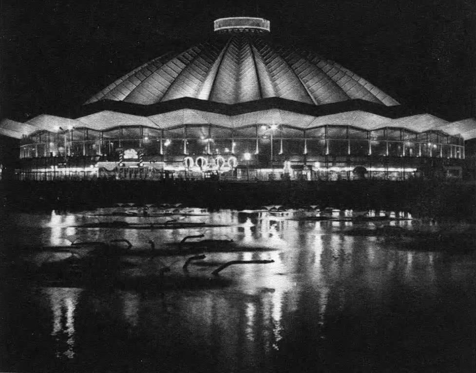 Освещение цирка на проспекте Вернадского. Архит. И.И. Щепетков, 1994