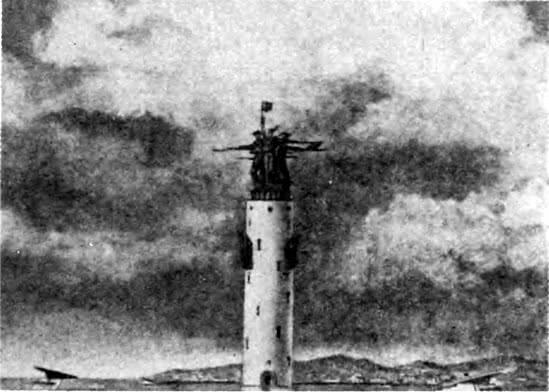 Памятник-маяк морякам защитникам Севастополя. Конкурсный проект 1944 г. Фасад