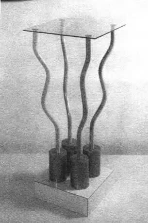 Столик из коллекции Баухауза для студии Алхимия. Э. Соттсасс, 1979