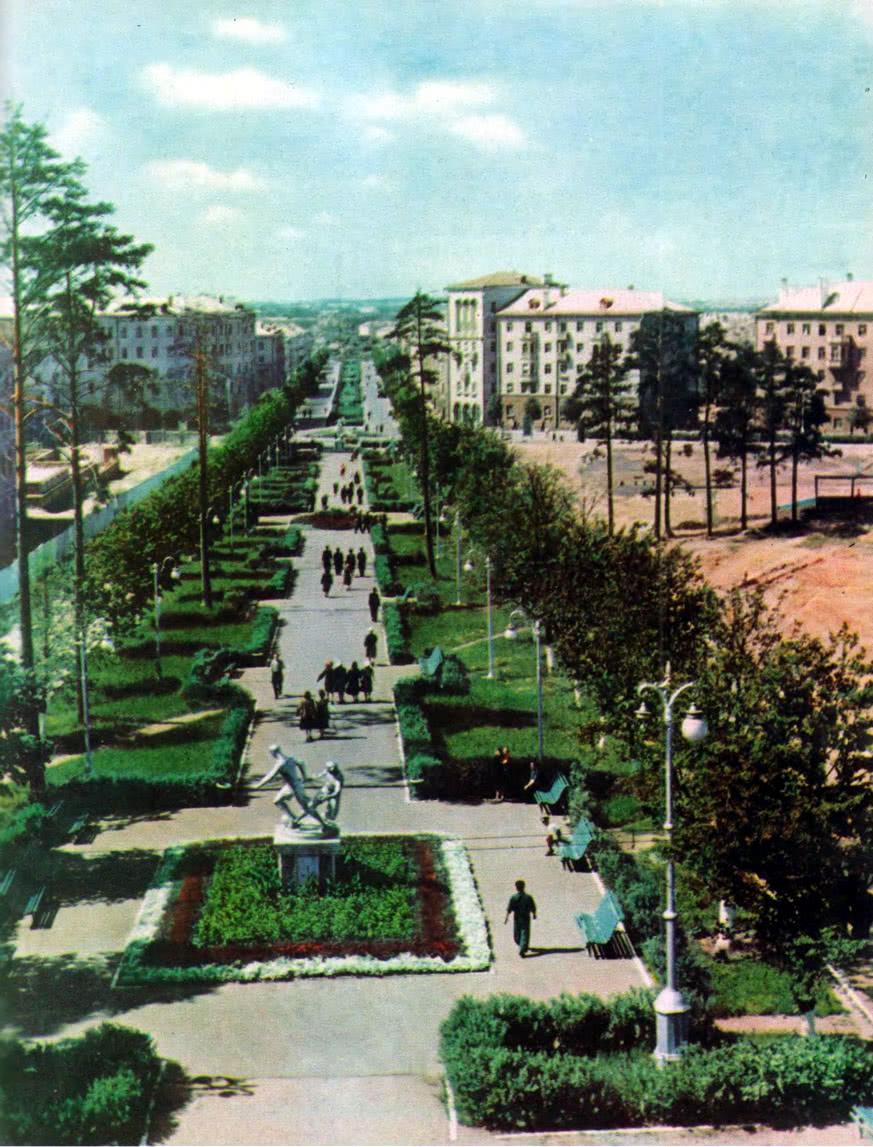 Бульвар по улице Олега Кошевого