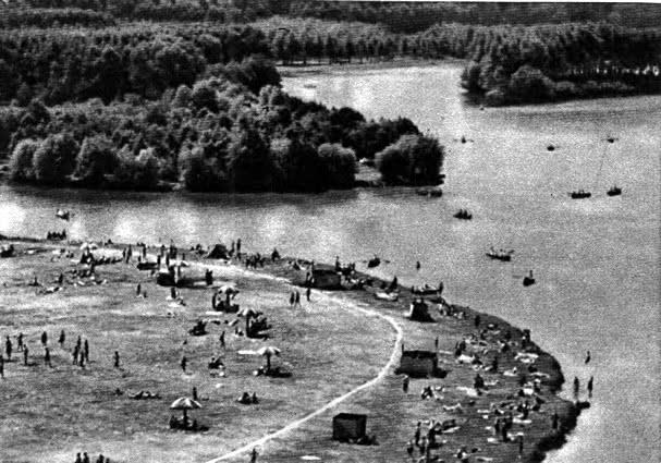 Парк Победы и комсомольское озеро