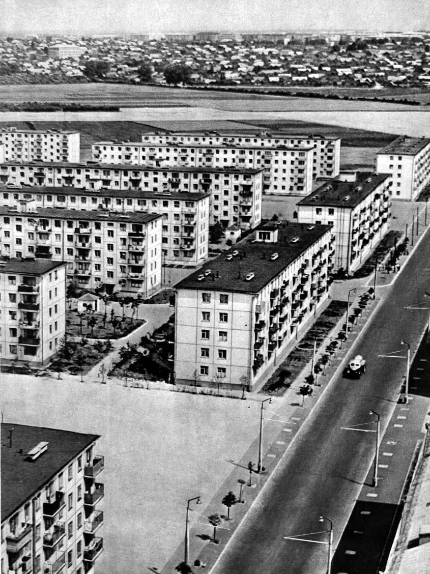 Панорама жилой застройки микрорайона по Кавалерийской улице