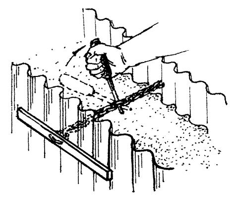 Рис. 52. Натяжка стенок клумбы