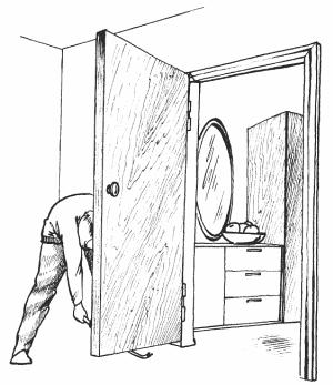 Как смазывать дверные петли