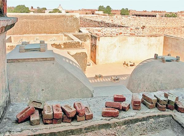 Фото 1.1. Древняя баня в Индии