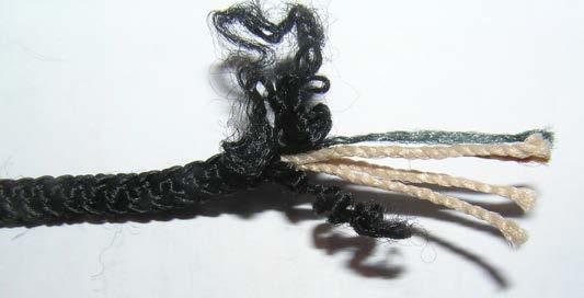 Рис.1.13. Шнур капроновый с сечением 5 мм черный в расплетенном состоянии